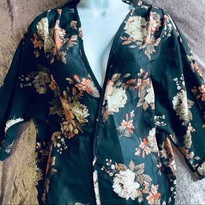 Beautiful Black Floral Kimono / Overlay